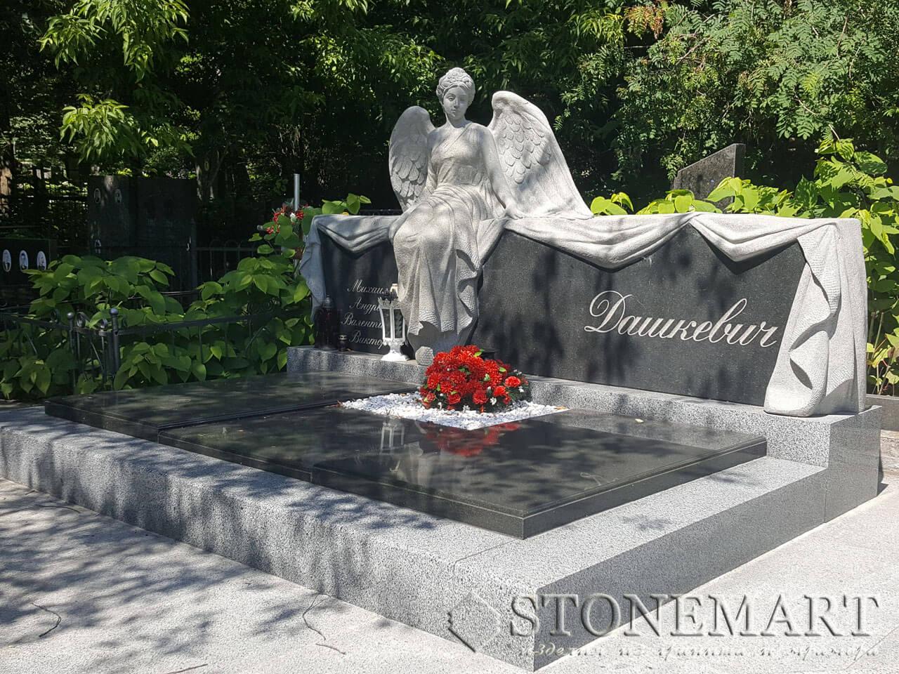Мемориал с ангелом в граните №18