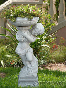 28. Скульптура с вазой