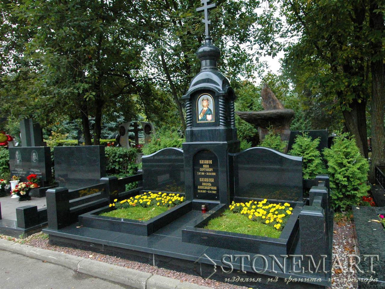 Мемориальный комплекс на кладбище №30