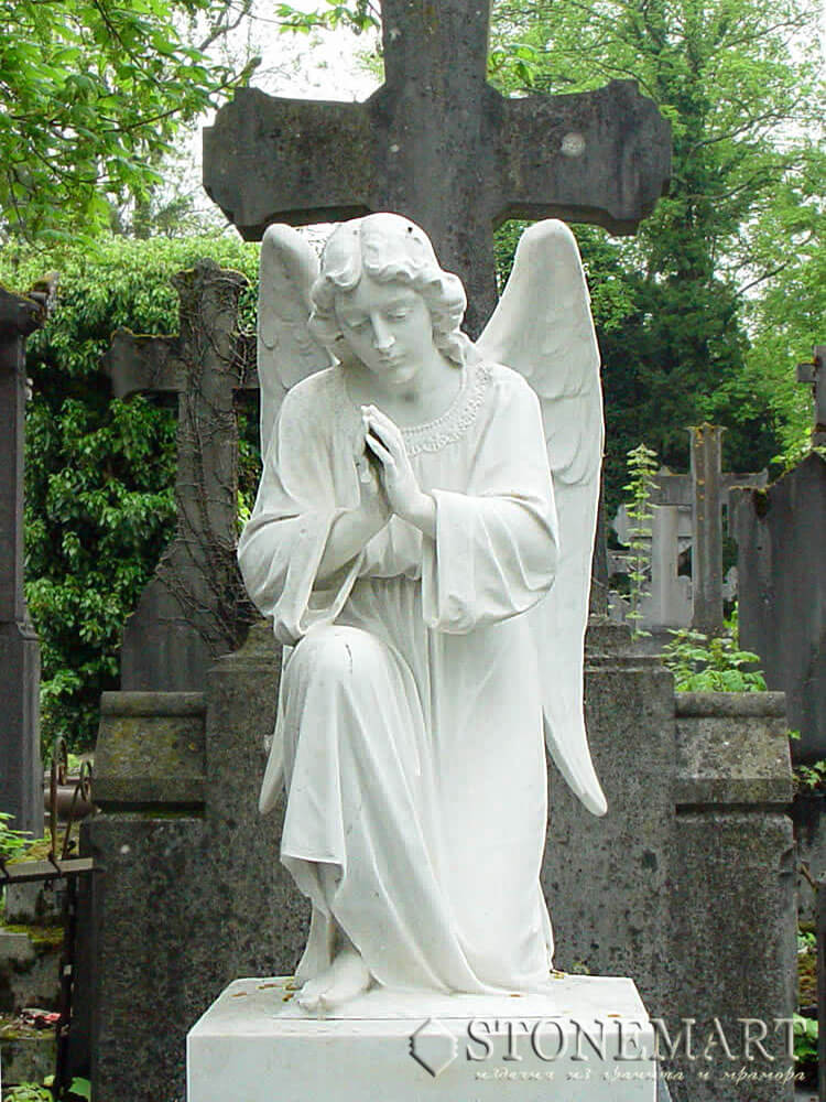 40. Ангел преклонивший колено