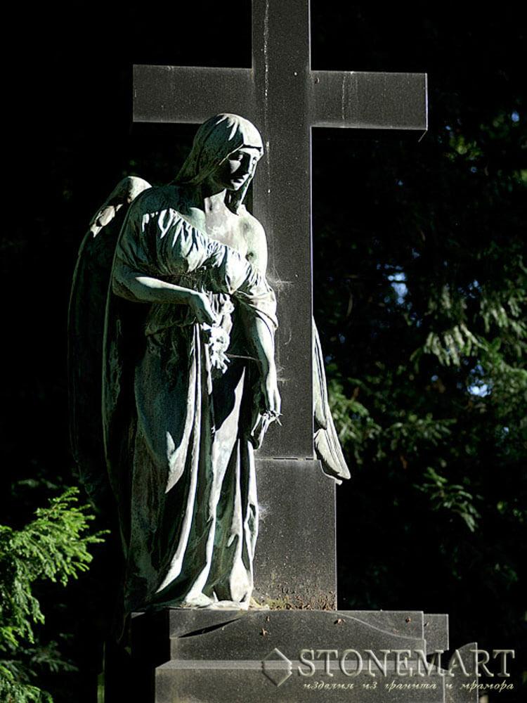 41. Ангел у креста