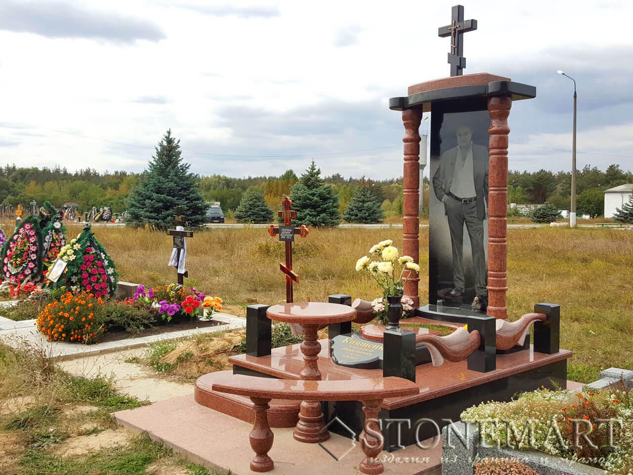 Памятник из лезниковского гранита №60