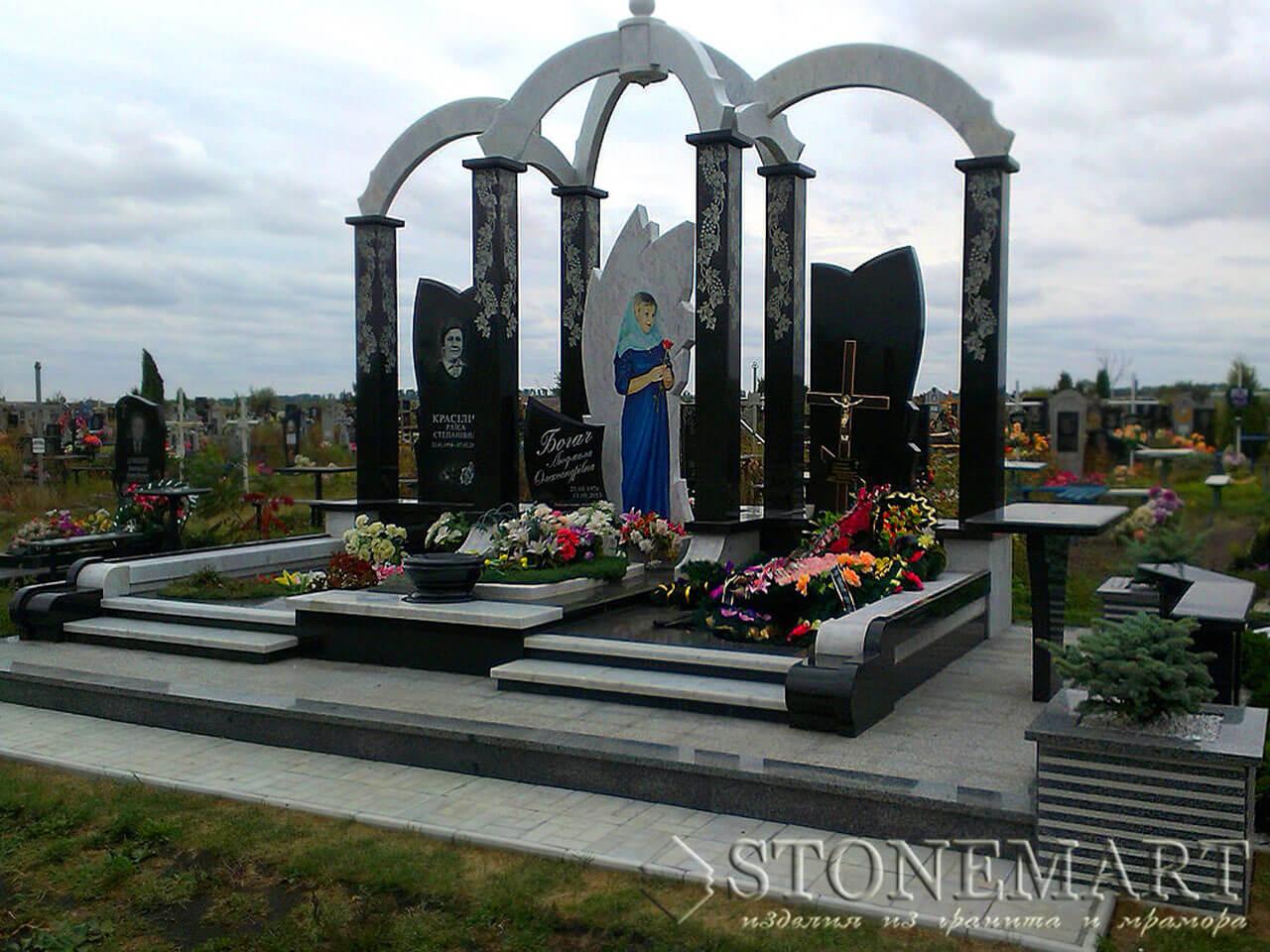 Мемориальный комплекс с колоннами №73